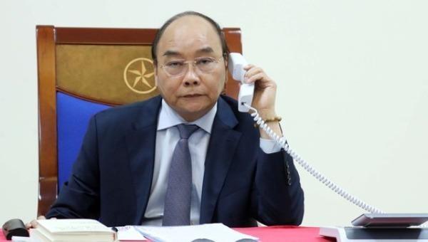 Thủ tướng Nguyễn Xuân Phúc tại cuộc điện đàm với Thủ tướng Nhật Bản Abe Shinzo.