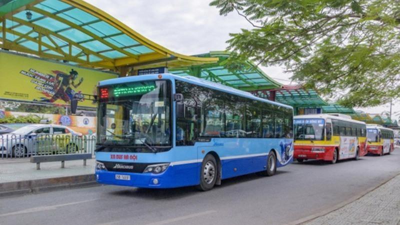 Hà Nội, TP HCM cho phép xe buýt hoạt động trở lại