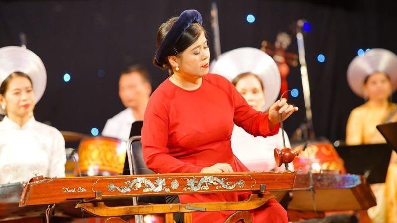 Đàn bầu - linh hồn dân tộc Việt.