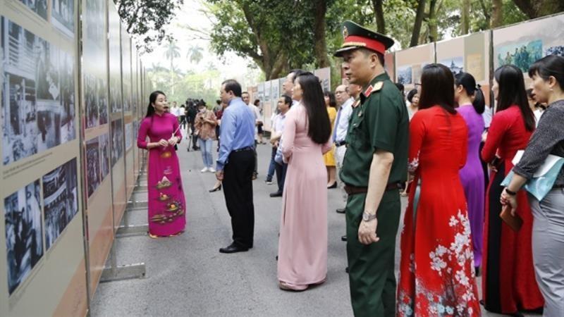 Hồ Chí Minh - Sự kết tinh những truyền thống tốt đẹp của dân tộc