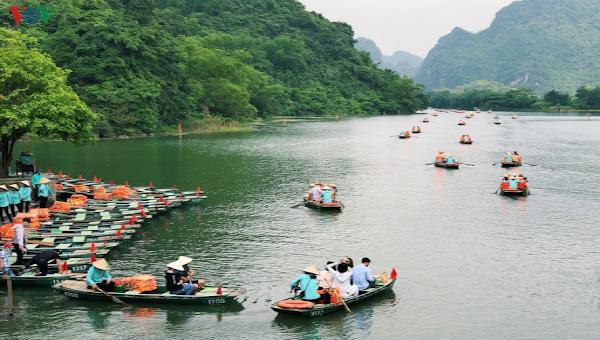 """Kêu gọi """"Người Việt Nam đi du lịch Việt Nam"""" nhằm kích cầu du lịch nội địa"""