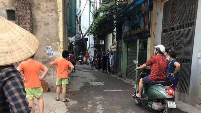 Phát hiện thi thể người đàn ông trong ngôi nhà khóa trái ở Hà Nội