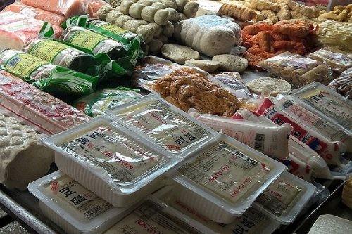 Đồ ăn chay chế biến sẵn: Tiềm ẩn nguy cơ mất an toàn