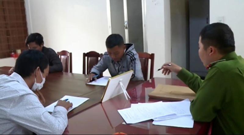 Triệu tập 3 'phượt thủ' vụ ném đá xe khách ở Lâm Đồng