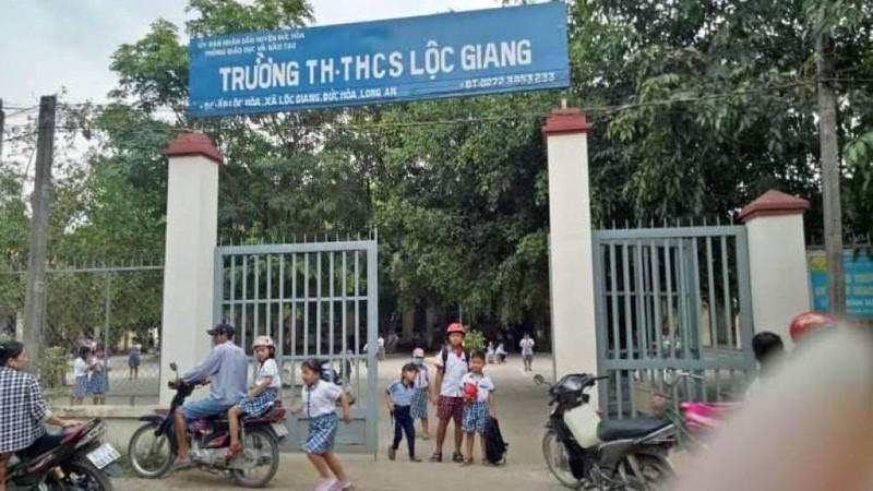 Trường Tiểu học, THCS Lộc Giang.