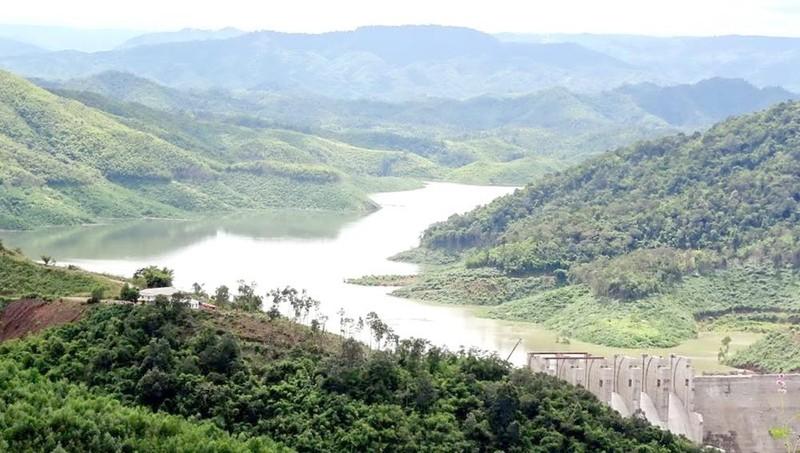 Hồ chứa nước Thủy điện Đồng Nai 3.