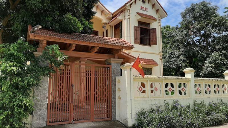 """Ngôi nhà khang trang của """"hộ cận nghèo"""" tại Thanh Hóa. Ảnh: NLĐ"""