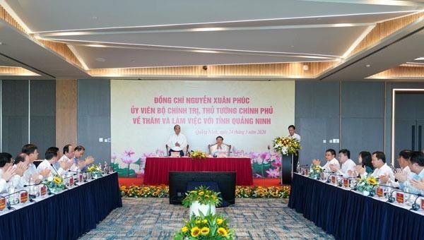 """Thủ tướng Chính phủ: Quảng Ninh là hình mẫu chuyển đổi mô hình kinh tế từ  """"đen"""" sang """"xanh"""""""