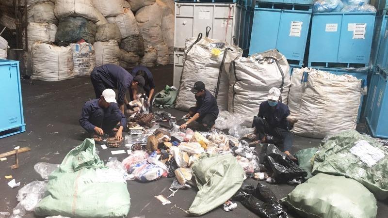 Báo động tội phạm buôn lậu, hàng giả ở TP Hồ Chí Minh