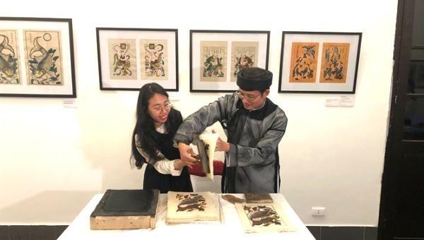 Đưa sản phẩm truyền thống vào các triển lãm, hội chợ quốc tế.