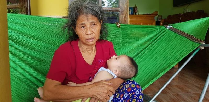 Ngân hàng Agribank Nam Thanh Hóa vận động ủng hộ bé 5 tháng tuổi mồ côi vì tai nạn giao thông