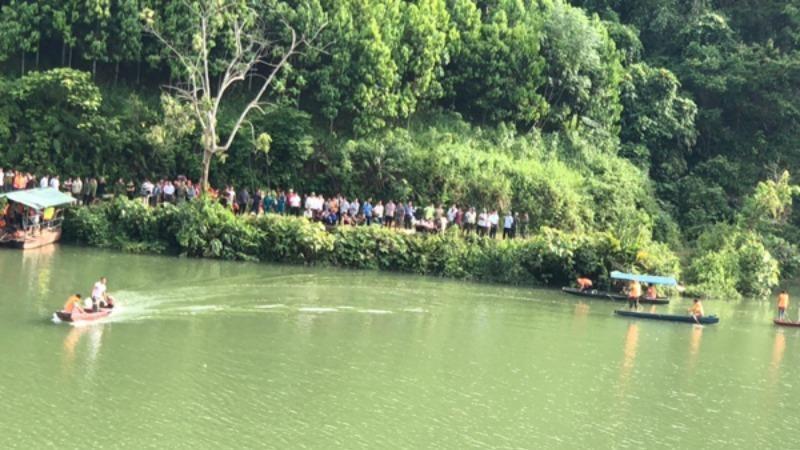 Lật thuyền trên sông Chảy, 3 người mất tích