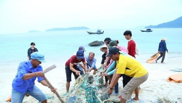 Khởi động 2 dự án xử lý ô nhiễm rác thải và nhựa tại Việt Nam