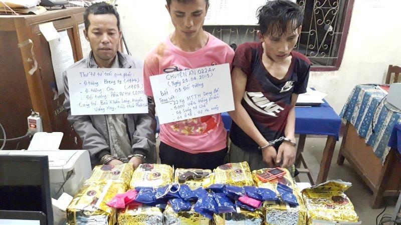 Các đối tượng và tang vật 22kg ma túy tổng hợp trong Chuyên án 022Av.
