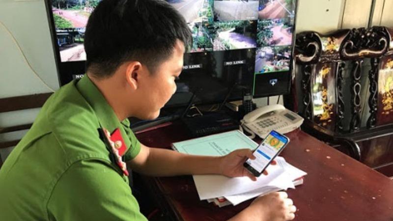 Công an tỉnh Đắk Lắk tiếp nhận, xử lý tin báo về an ninh trật tự qua mạng xã hội.