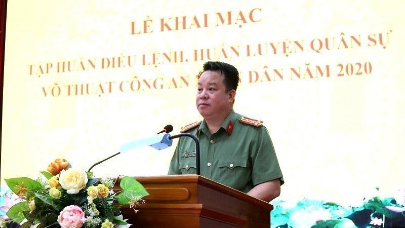 Đại tá Nguyễn Quốc Hùng, Phó Bí thư Đảng ủy, Phó Giám đốc CATP phát biểu chỉ đạo tại hội nghị.