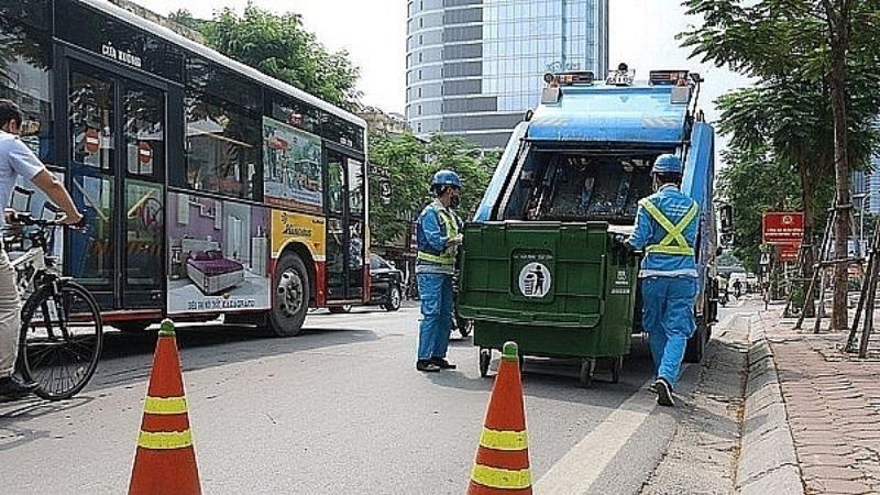 Hà Nội tăng cường kiểm tra, giám sát các xe vận chuyển rác sinh hoạt