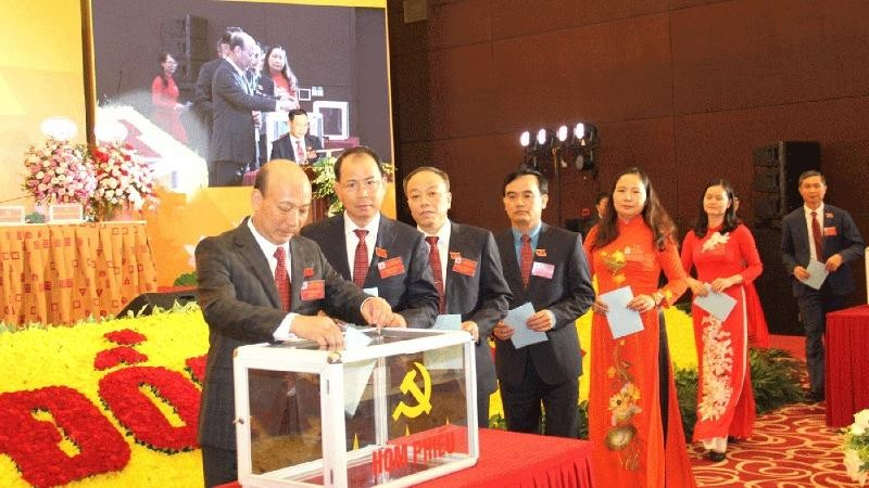 Ông Lê Minh Chuẩn tiếp tục được bầu là Bí thư Đảng ủy TKV.