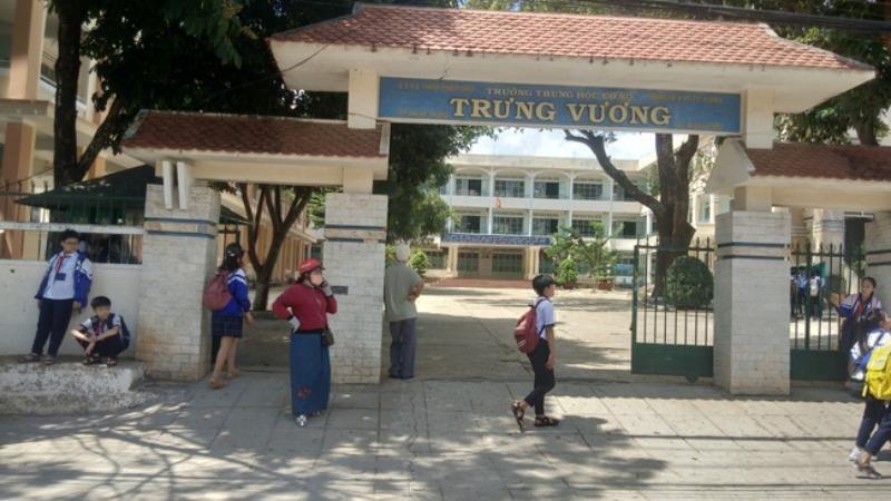 Trường THCS Trưng Vương thi lại môn ngữ văn.
