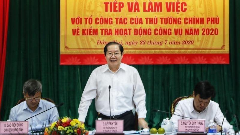 Bộ trưởng Bộ Nội vụ Lê Vĩnh Tân, Tổ trưởng Tổ công tác phát biểu tại buổi làm việc.