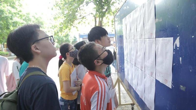 Điểm chuẩn vào lớp 10 của 2 trường chuyên ở Hà Nội