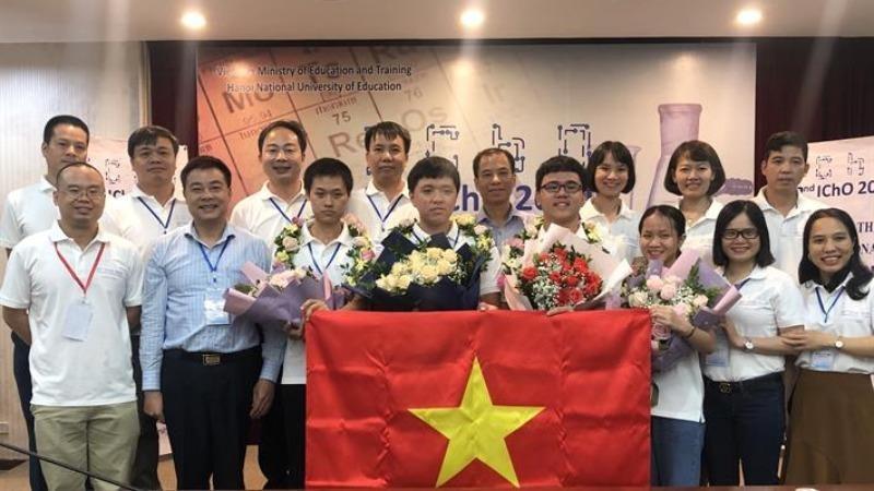 Niềm vui của đội tuyển quốc gia Việt Nam dự thi  Olympic Hóa học Quốc tế năm 2020.