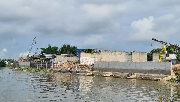 Dự án xây dựng bờ kè sông Cần Thơ.