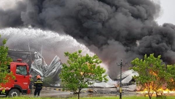 Cháy xưởng sơn tại khu công nghiệp Bắc Ninh
