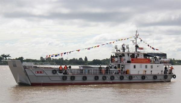 Tàu VDN-150.