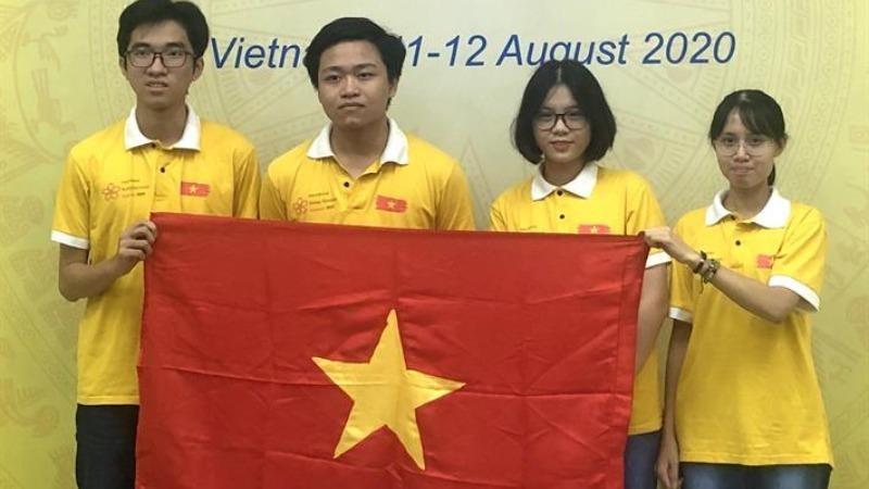 4 học sinh Việt Nam xuất sắc đoạt giải tại Olympic Sinh học quốc tế.