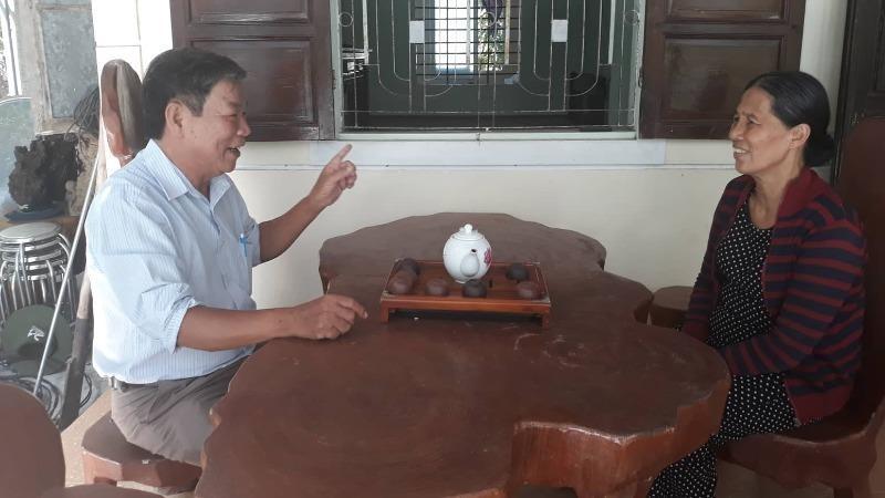 Ông Thiên và bà Huê, hai trong số những người có công tại xã Phú Gia.