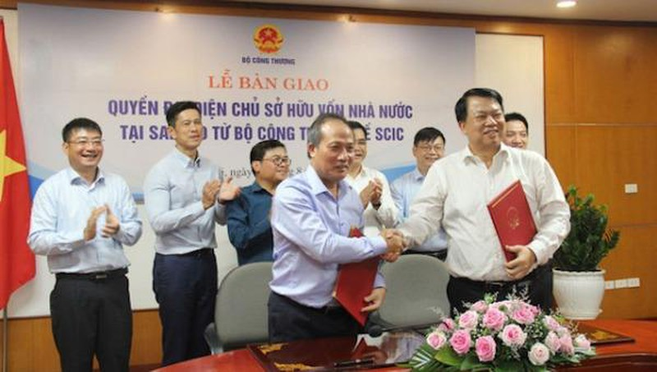 Bộ Công Thương chính thức bàn giao toàn bộ vốn đầu tư của Nhà nước tại Sabeco về SCIC.