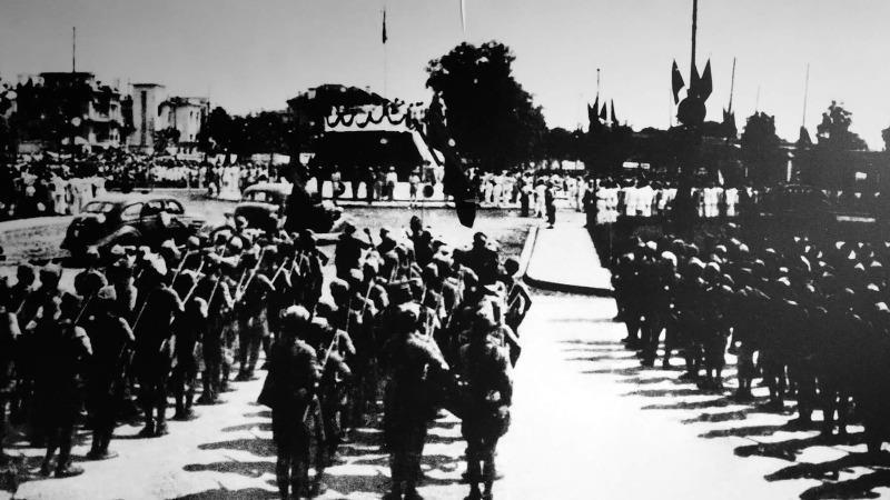 Các đơn vị giải phóng quân tại quảng trường Ba Đình trong buổi lễ Tuyên ngôn độc lập, ngày 2/9/1945.