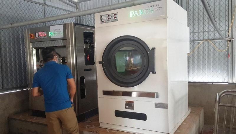 """Một hệ thống thiết bị máy giặt và máy sấy nghi ngờ bị """"thổi"""" giá."""