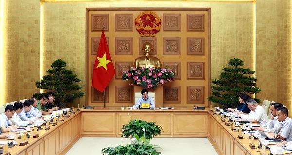 Phó Thủ tướng Phạm Bình Minh chủ trì phiên họp.