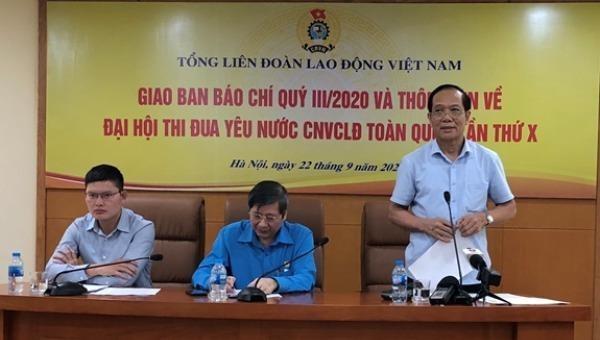 Ban tổ chức trả lời các câu hỏi của phóng viên tại buổi họp báo.
