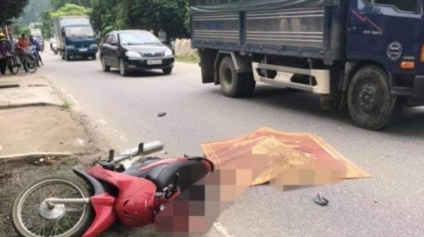 Người phụ nữ tử vong khi va chạm với xe tải
