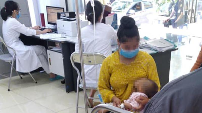 Vụ bé 2 tháng tuổi tử vong: Thêm nhiều trẻ nhập viện sau khi tiêm vắc xin 5 trong 1
