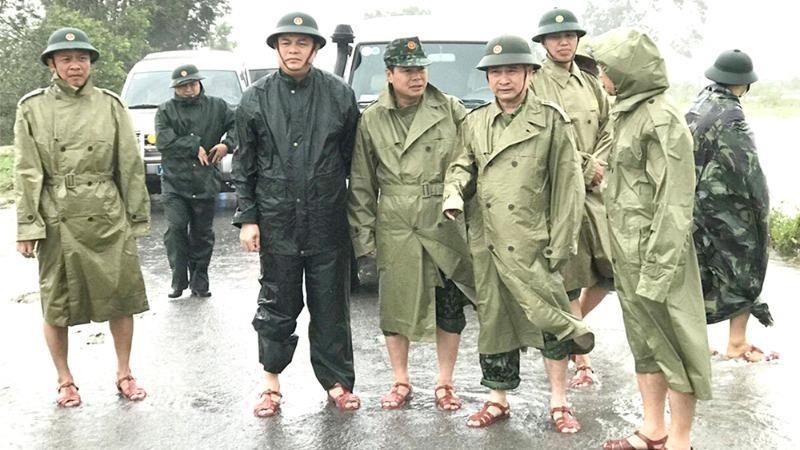 Hình ảnh cuối cùng về Thiếu tướng Nguyễn Văn Man (thứ hai từ phải sang).