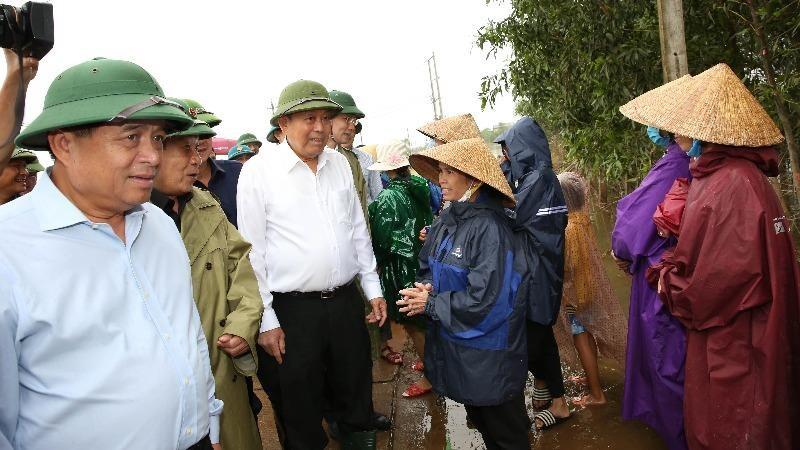 Khắc phục hậu quả bão lũ: Sớm đưa cuộc sống người dân trở lại bình thường