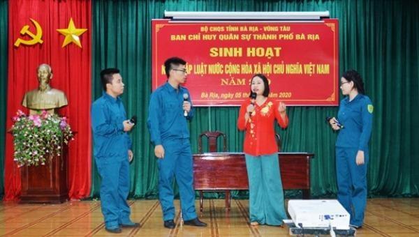 """Tiểu phẩm tuyên truyền """"Ngày pháp luật"""" ở Ban Chỉ huy quân sự TP Bà Rịa, tỉnh Bà Rịa- Vũng Tàu."""