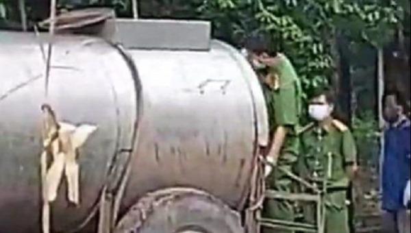 Đôi vợ chồng chết trong xe bồn được xác định là do ngạt khí.