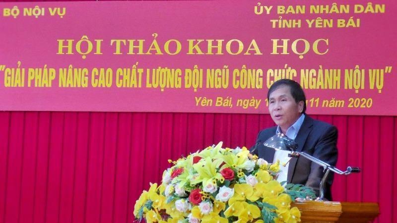 Thứ trưởng Triệu Văn Cường phát biểu khai mạc Hội thảo.