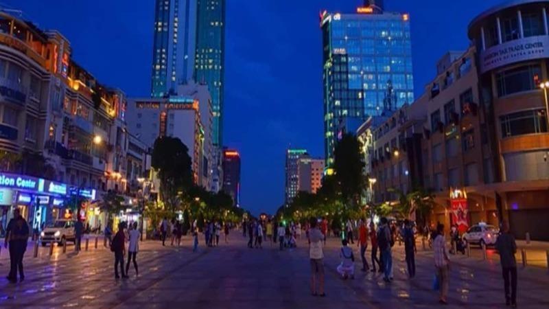 Phố đi bộ Nguyễn Huệ là điểm vui chơi yêu thích của người dân và du khách.