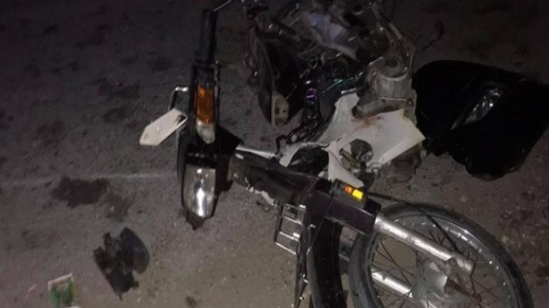 Chiếc xe máy hư hỏng sau tai nạn.