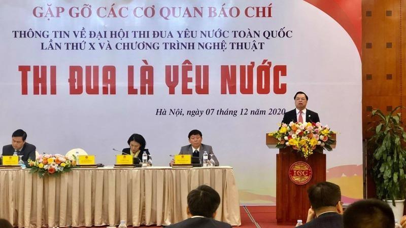 Ông Lê Mạnh Hùng, Phó Trưởng ban Tuyên giáo Trung ương phát biểu tại buổi gặp gỡ báo chí.