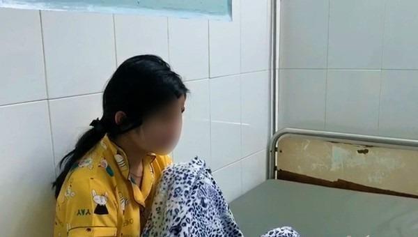 Nữ sinh lớp 10 tại An Giang nghi tự tử do cách xử sự của nhà trường.