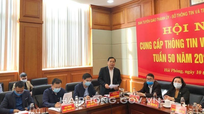 Ông Phạm Hưng Hùng, Chánh Văn phòng UBND TP.Hải Phòng, thông tin tại Hội nghị.
