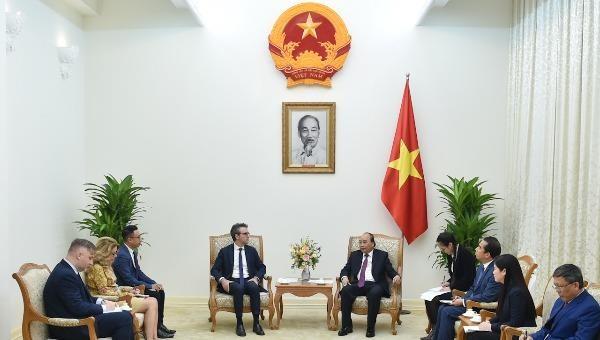 Thủ tướng Nguyễn Xuân Phúc tiếp Đại sứ, Trưởng Phái đoàn EU tại Việt Nam Giorgio Aliberti.