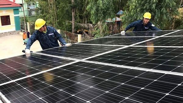 Xử lý rác thải pin mặt trời: Cần hoàn thiện hành lang pháp lý
